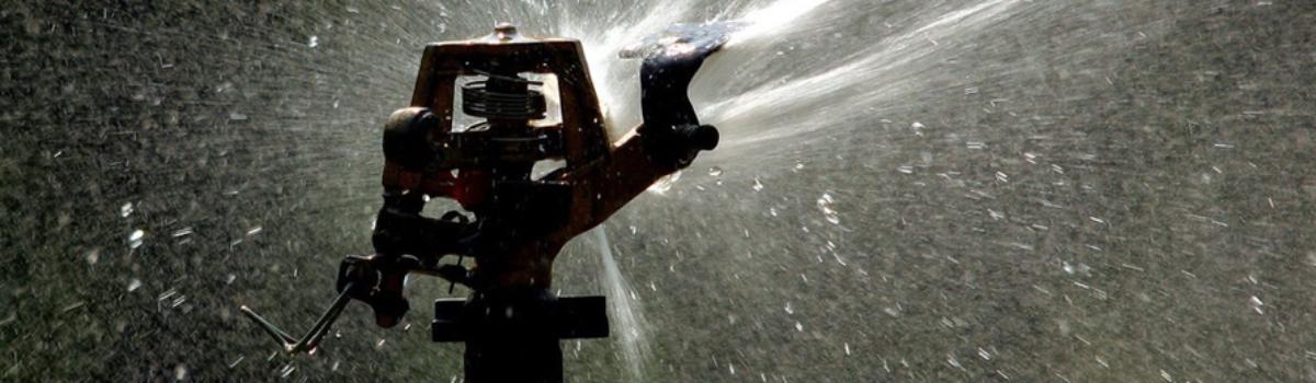 Ve frymburské zátoce plave nová fontána